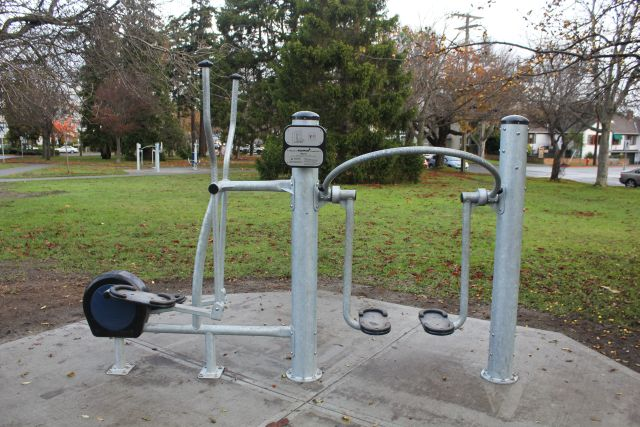 Outdoor fitness circuit at beacon hill park